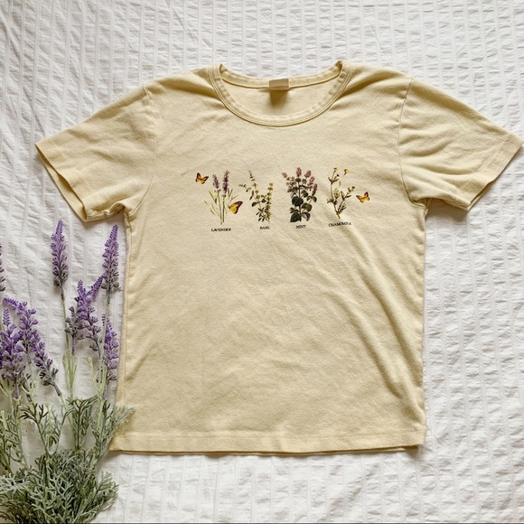 Urban Outfitters Light Yellow Graphic Tee - Size L